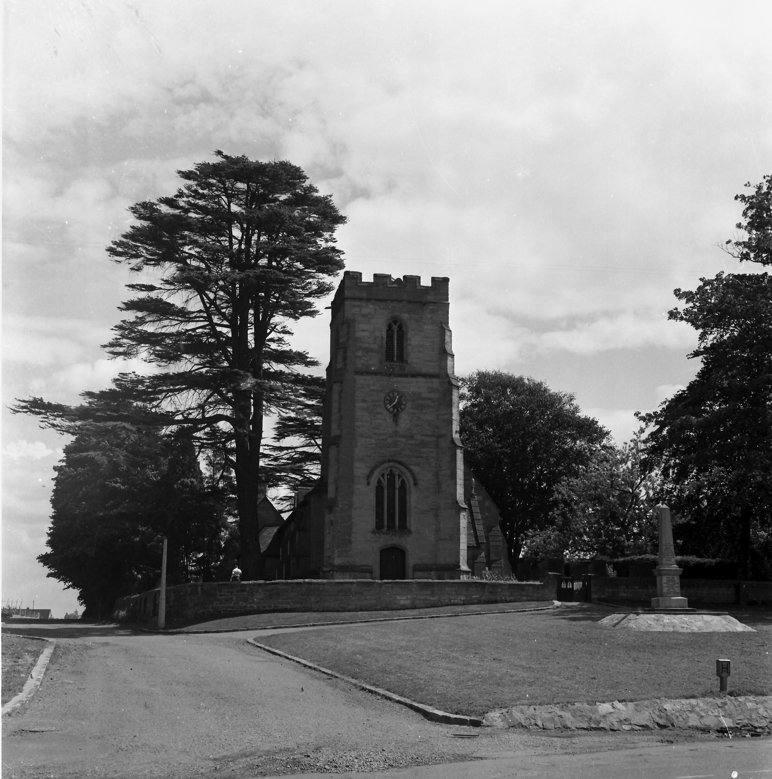 Whitnash-St-Margarets-church